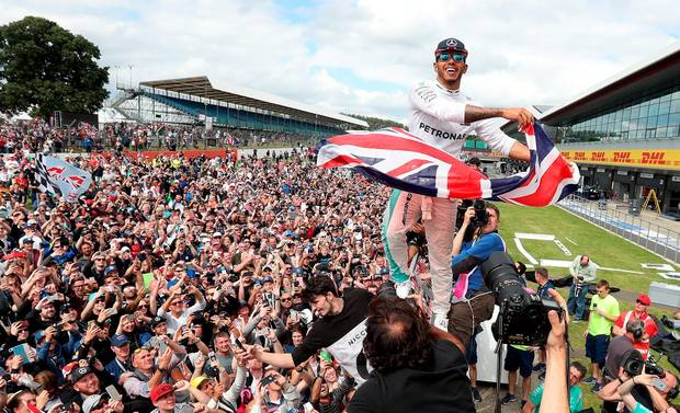 Lewis Hamilton wins British Grand Prix 2017